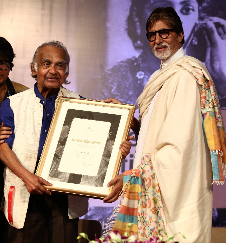 Mr.-Bachchan-felicitates-Mr.-P.K.Nair-at-the-Opening-Ceremony