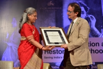 3 - Jaya Bachchan felicitates Mr. Gianluca Farinelli at the Opening Ceremony